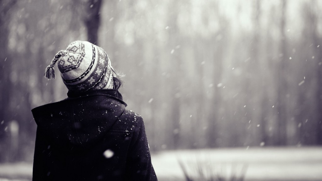 snowflakes-falling-wallpaper-37168-38023-hd-wallpapers