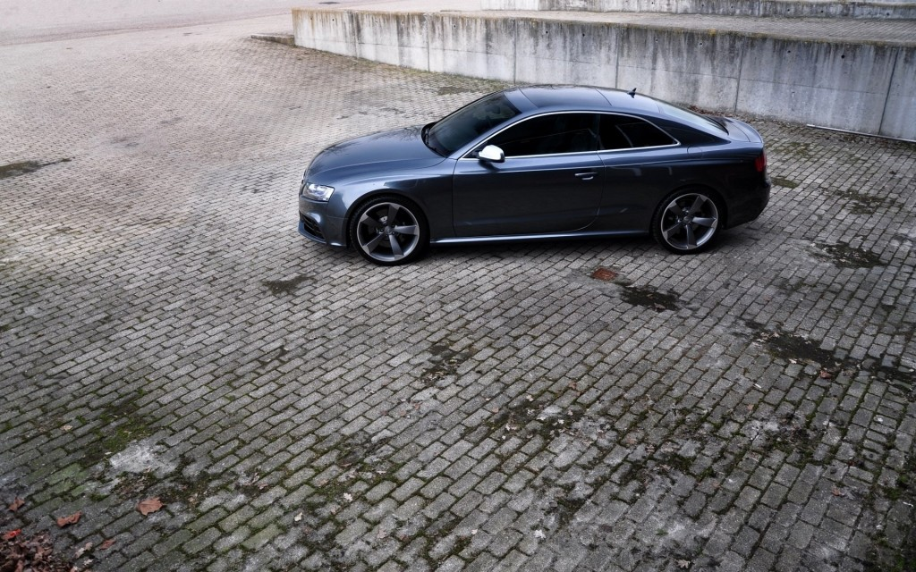 audi-rs5-background-37030-37873-hd-wallpapers