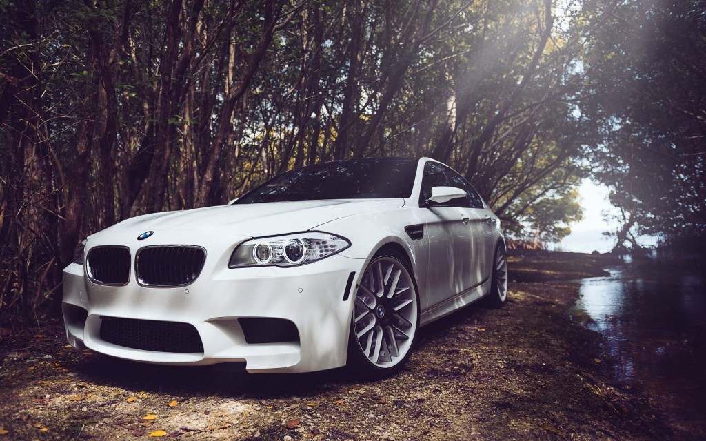 white-bmw-32604-33351-hd-wallpapers