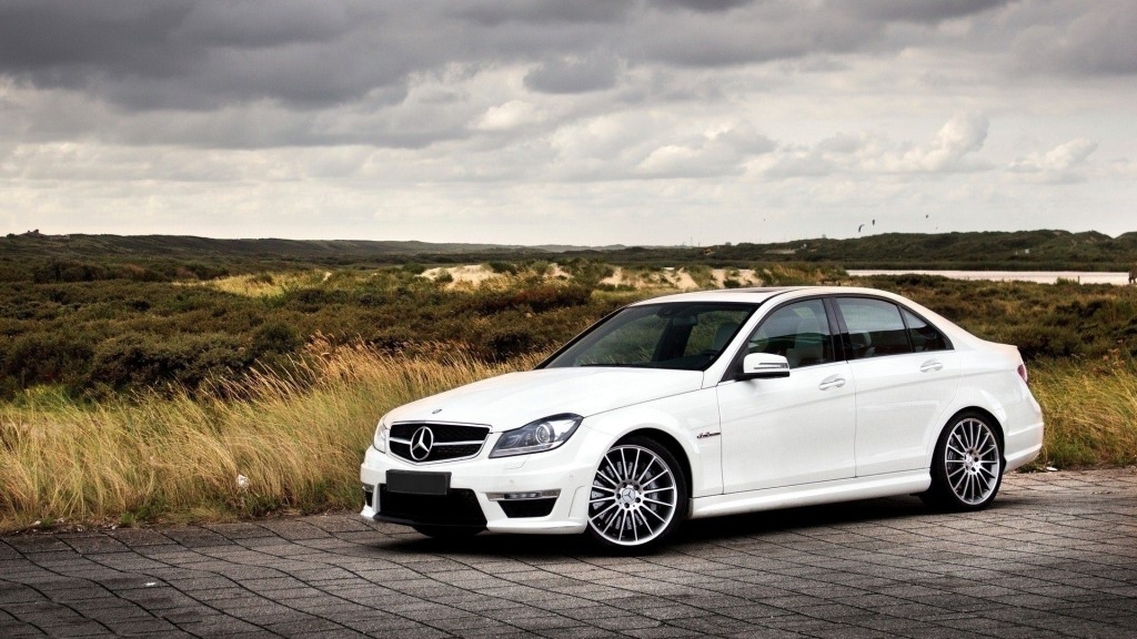 white-mercedes-wallpaper-45568-46797-hd-wallpapers