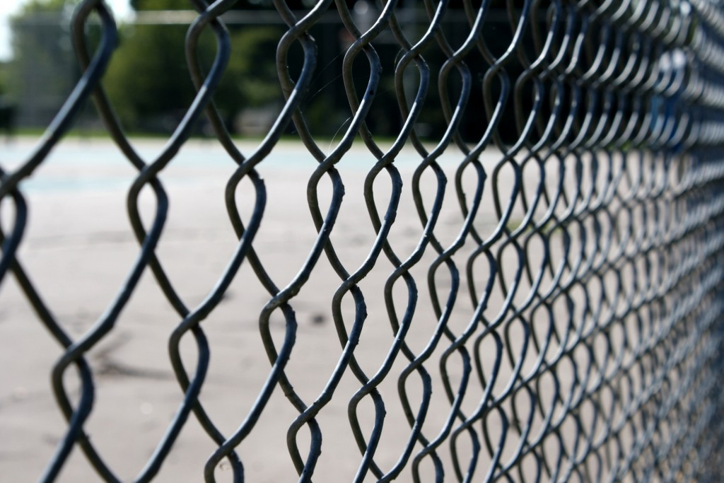 fence-close-up-wallpaper-44953-46106-hd-wallpapers