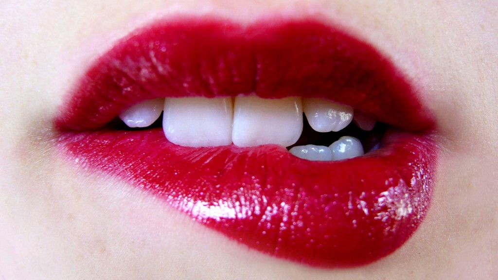 lips-24911-25591-hd-wallpapers