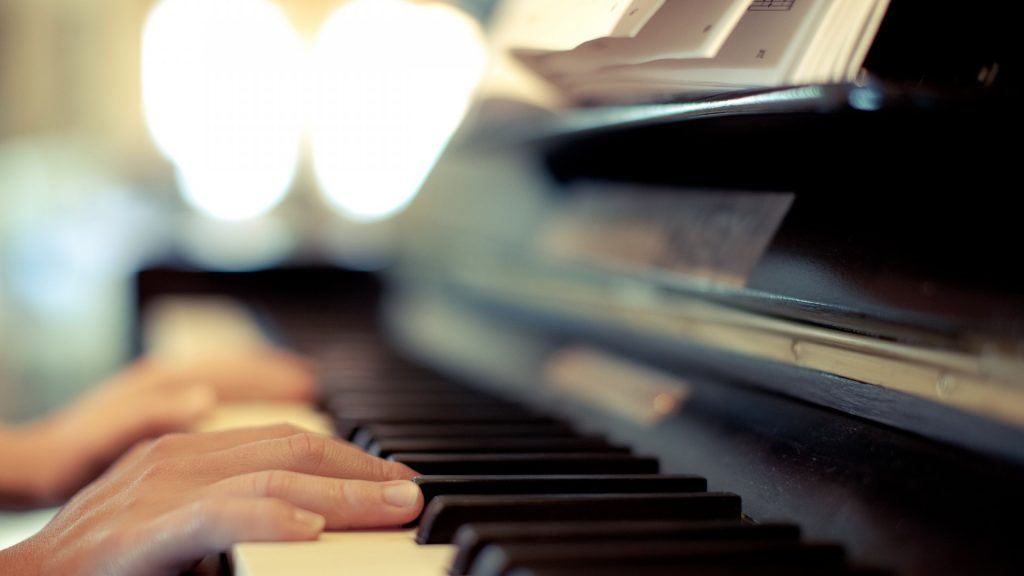 playing piano desktop wallpapers