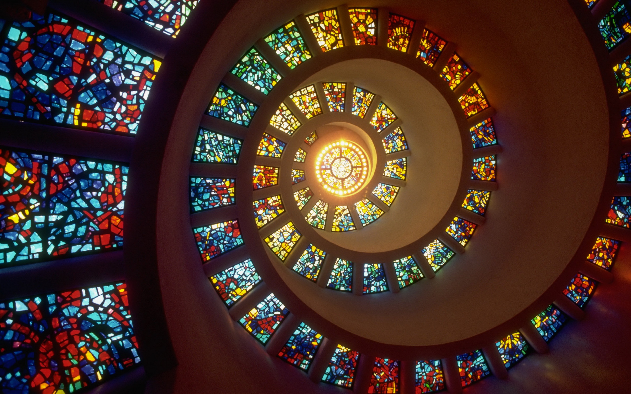 6 Wonderful HD Stained Glass Wallpapers