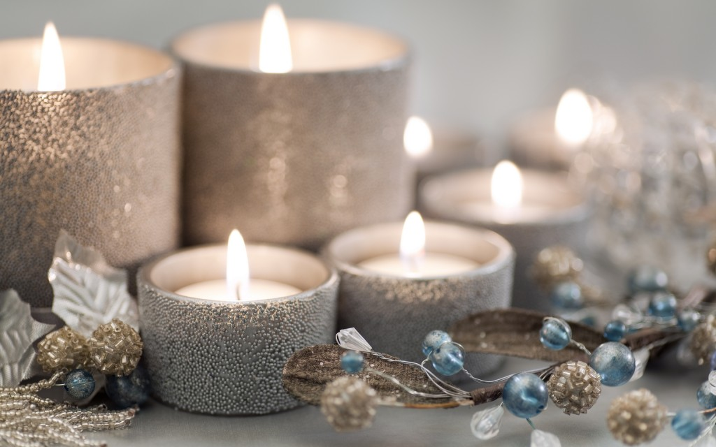 beautiful-christmas-candles-wallpaper-41082-42053-hd-wallpapers