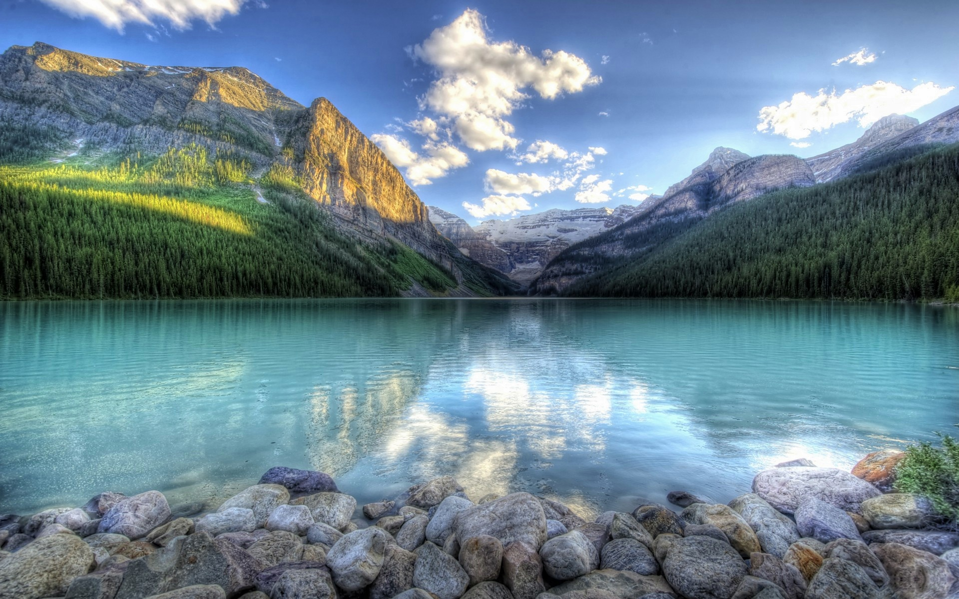 20 Beautiful HD Lake Wallpapers