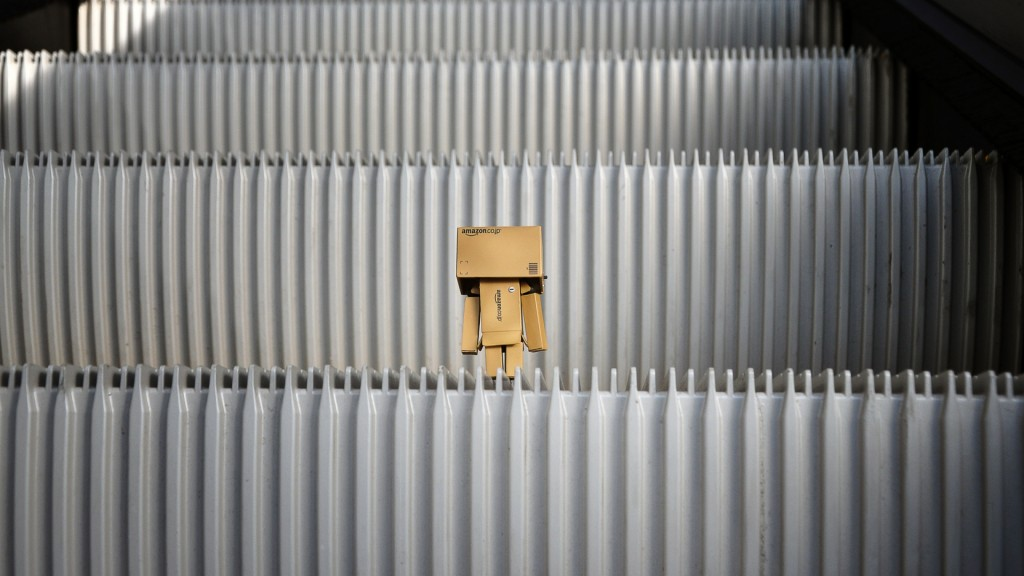 danbo-escalator-wallpaper-49171-50834-hd-wallpapers