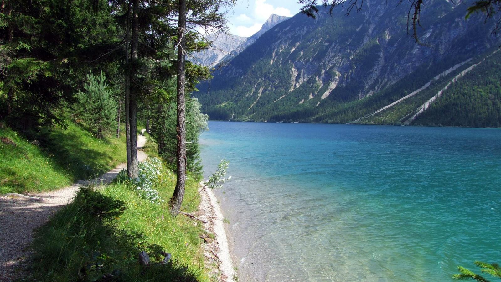20 Beautiful HD Nature Wallpapers - HDWallSource.com