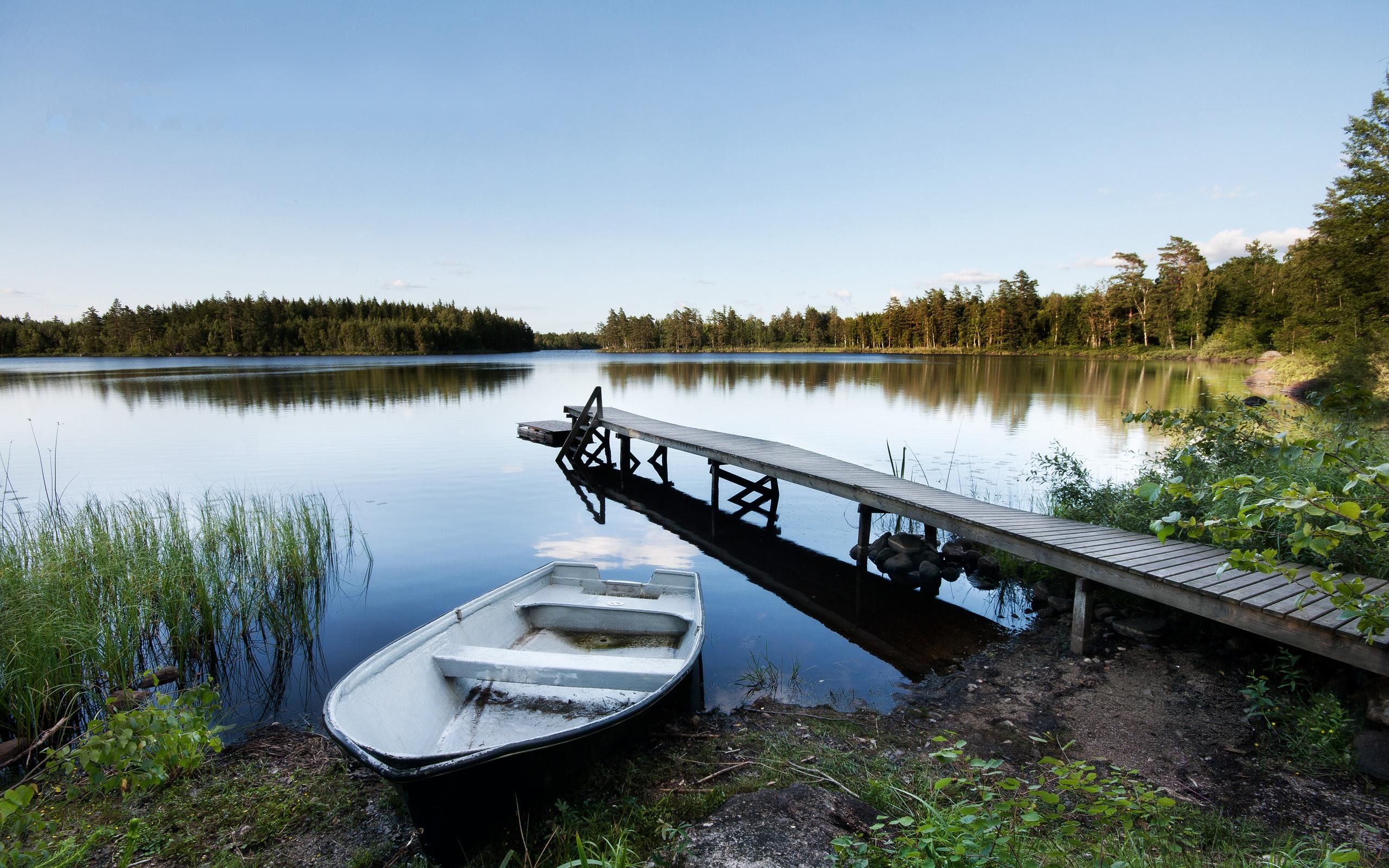 20 Beautiful HD Lake Wallpapers