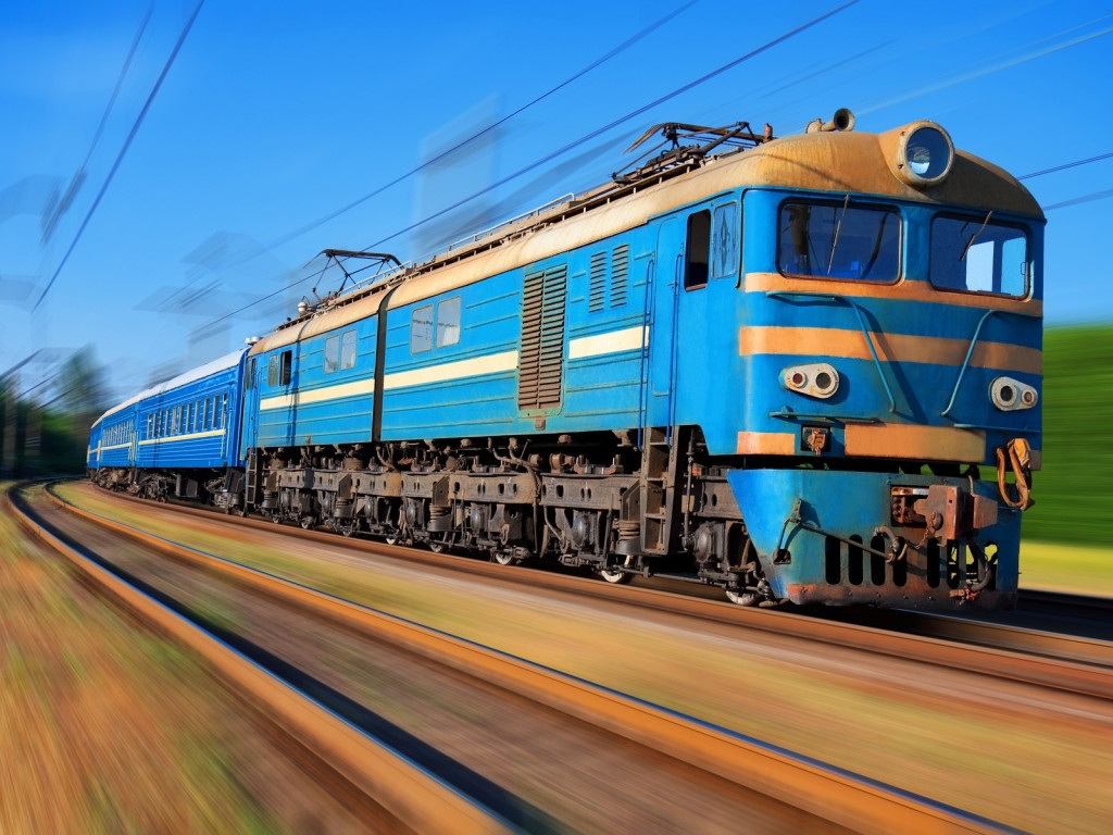 moving-blue-train-computer-wallpaper-49196-50858-hd-wallpapers