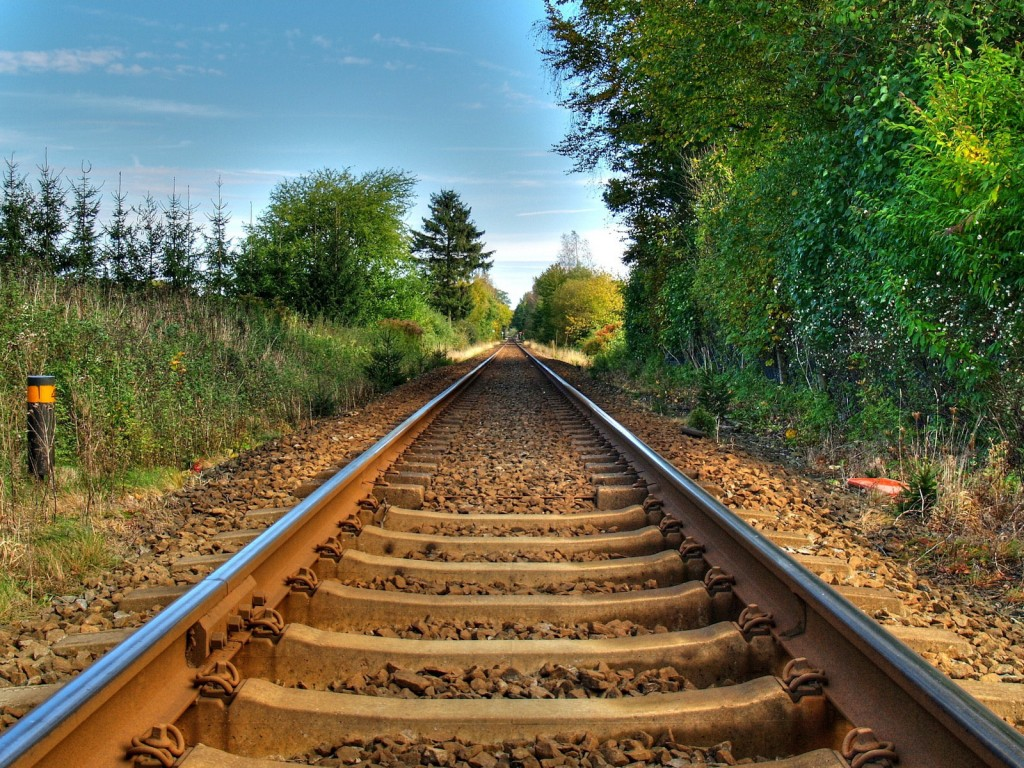 railroad-computer-wallpaper-49150-50809-hd-wallpapers