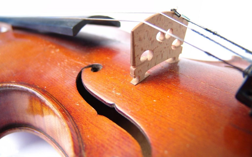 violin up close wallpapers