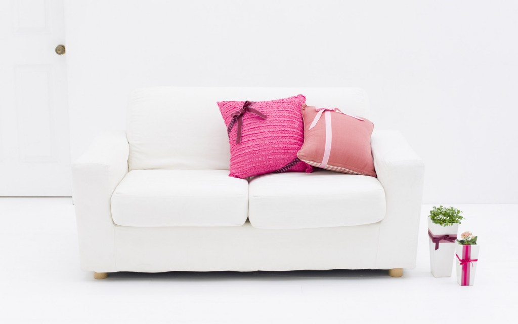 white-sofa-desktop-wallpaper-49065-50720-hd-wallpapers