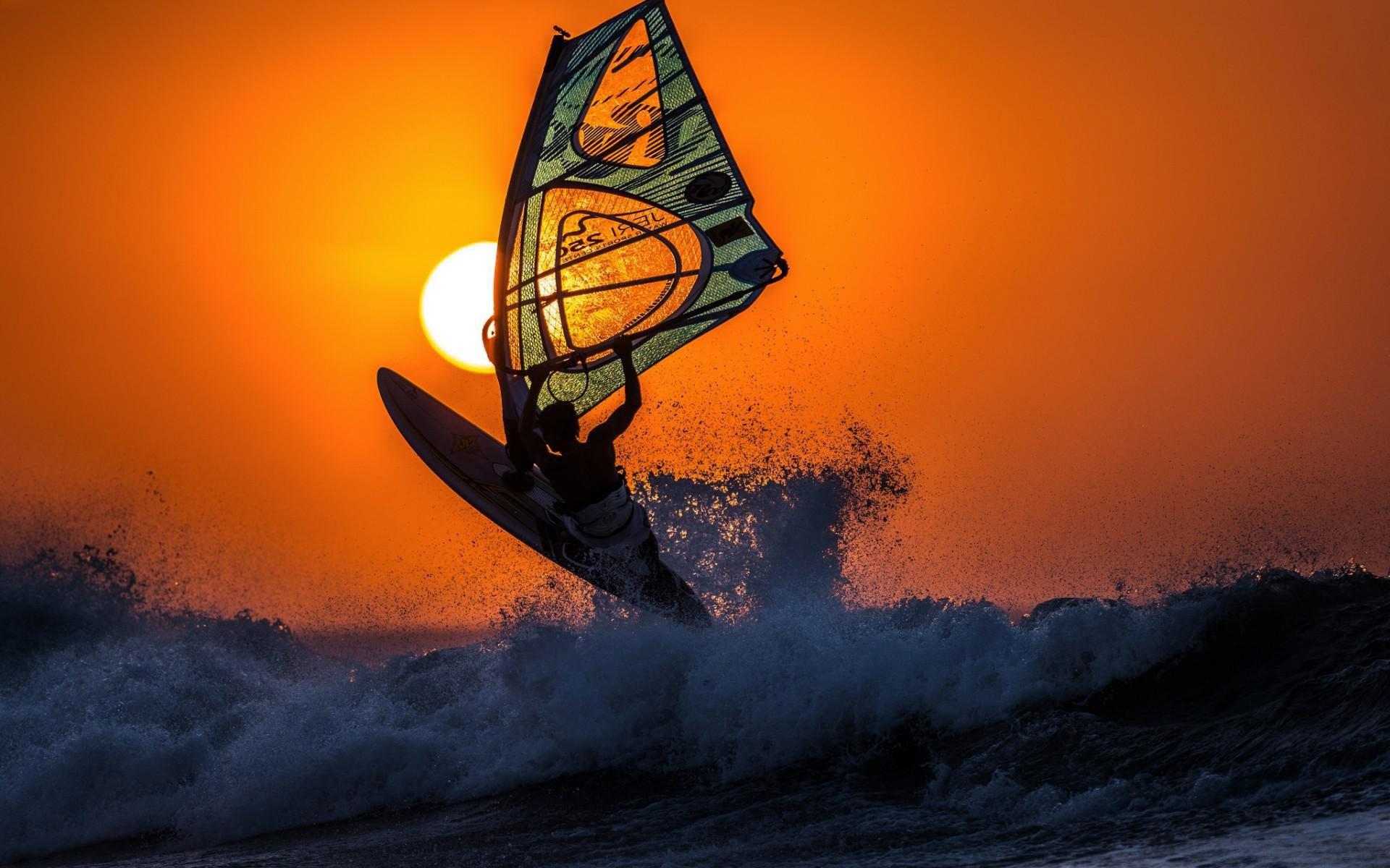 8 Stunning HD Windsurfing Wallpapers