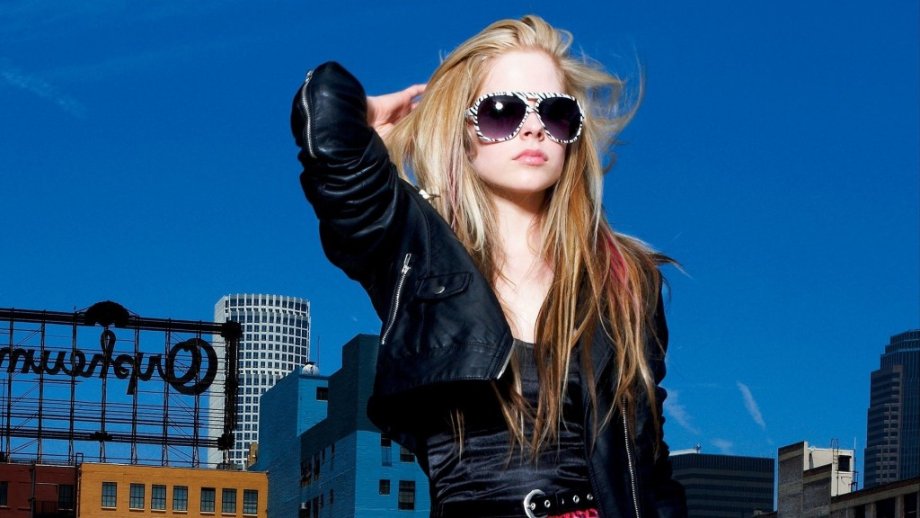 avril-lavigne-wallpaper-50101-51788-hd-wallpapers