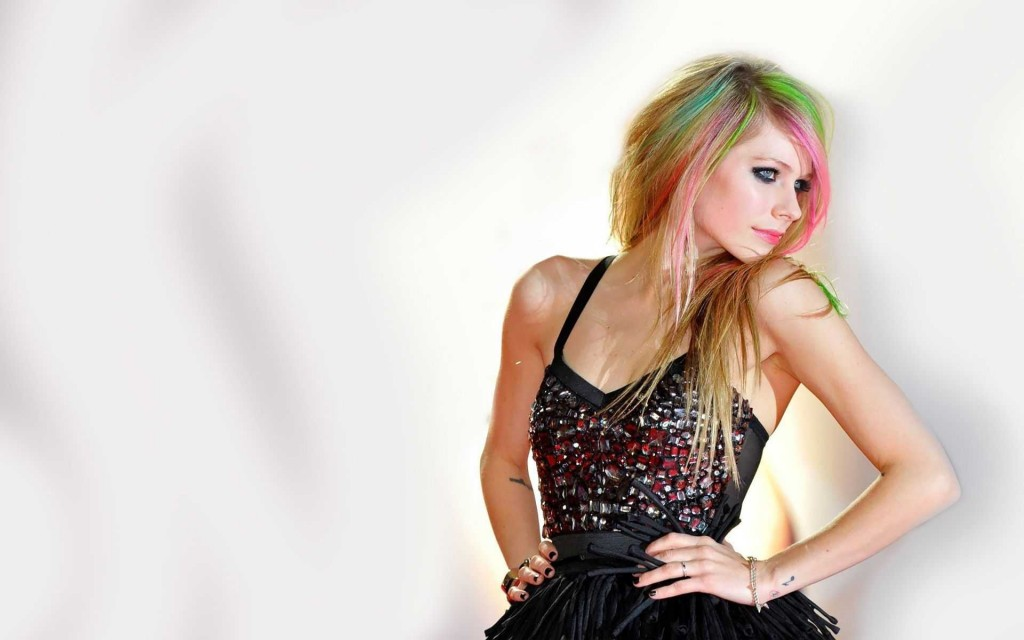 avril-lavigne-wallpaper-50105-51792-hd-wallpapers