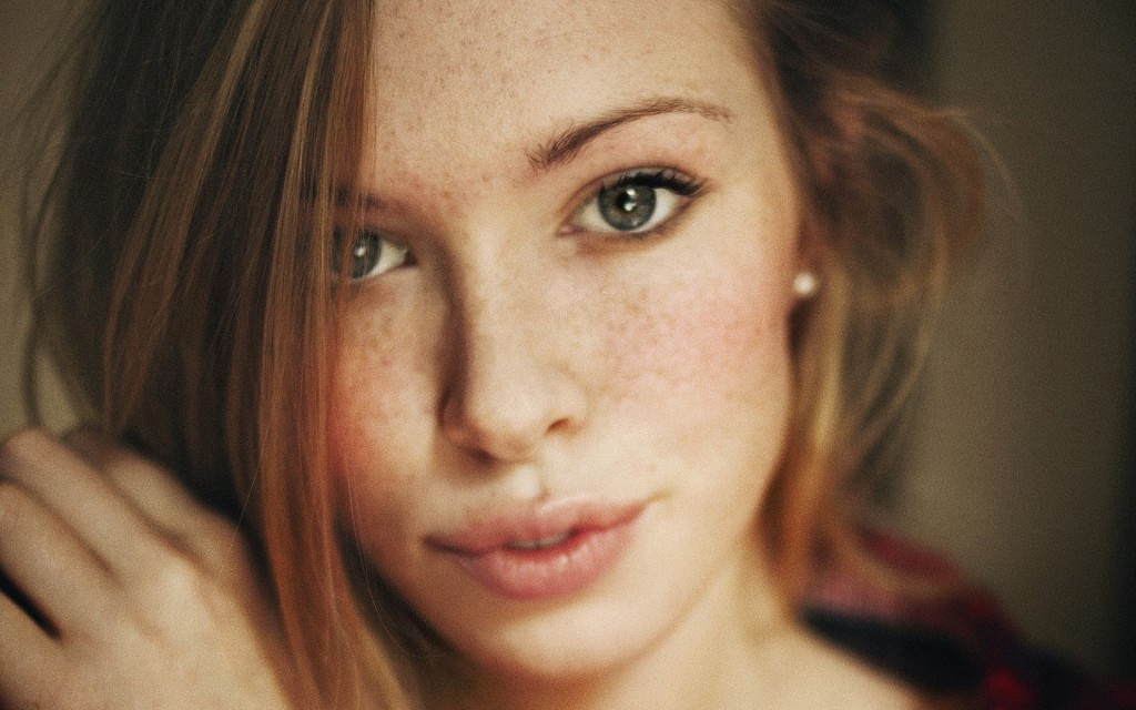 freckles-widescreen-wallpaper-49837-51518-hd-wallpapers
