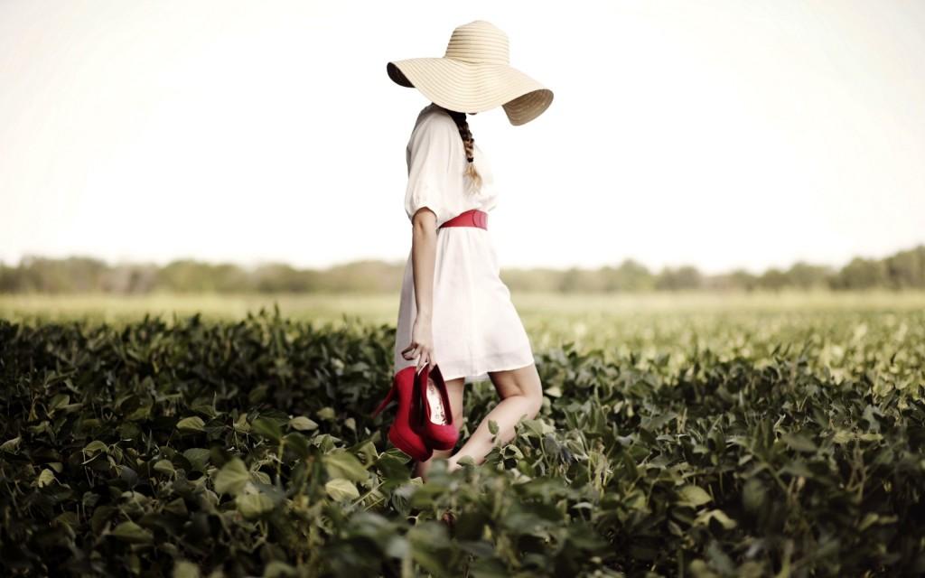 lovely-girl-hat-wallpaper-43326-44371-hd-wallpapers