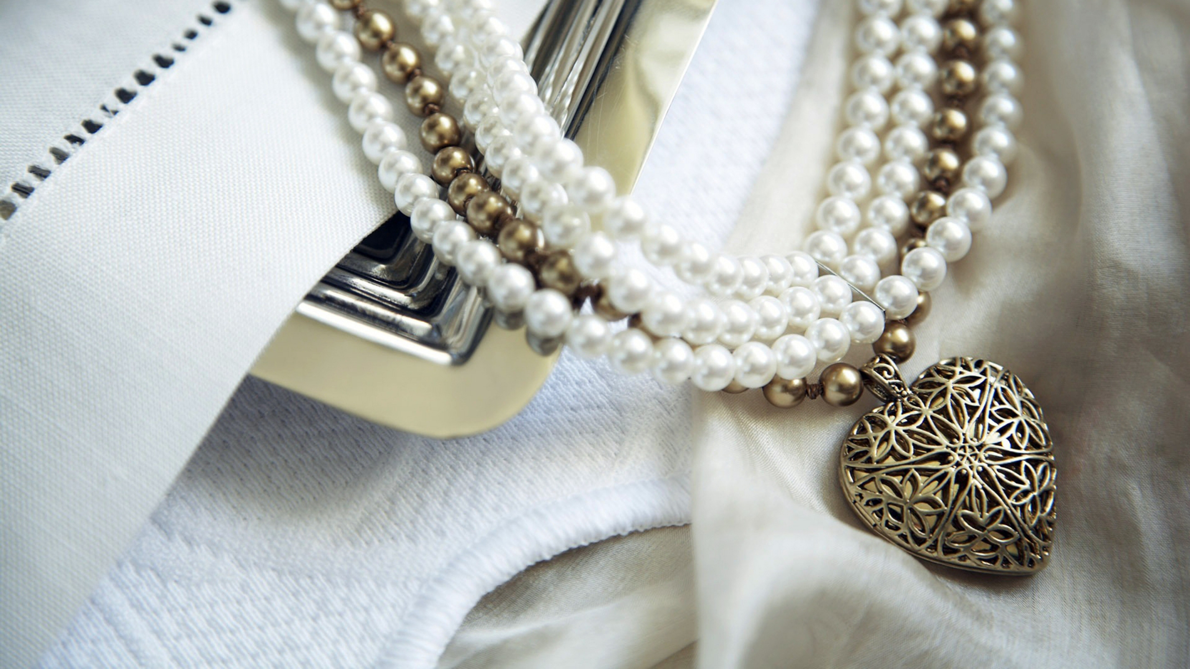 15 HD Necklace Wallpapers
