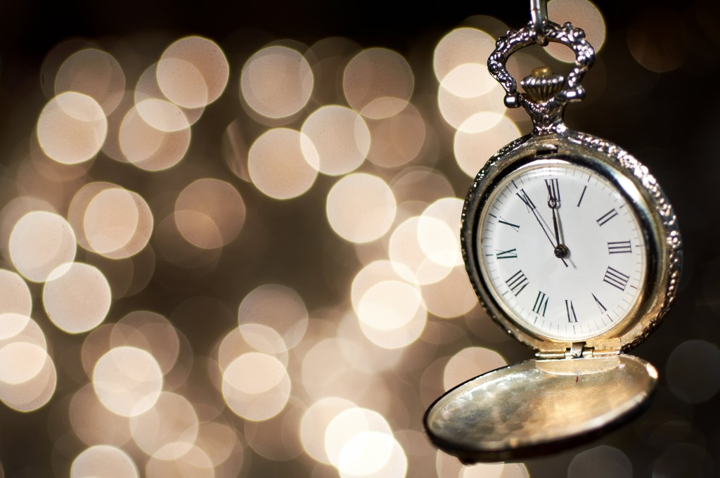 pocket-watch-bokeh-wide-wallpaper-49500-51174-hd-wallpapers