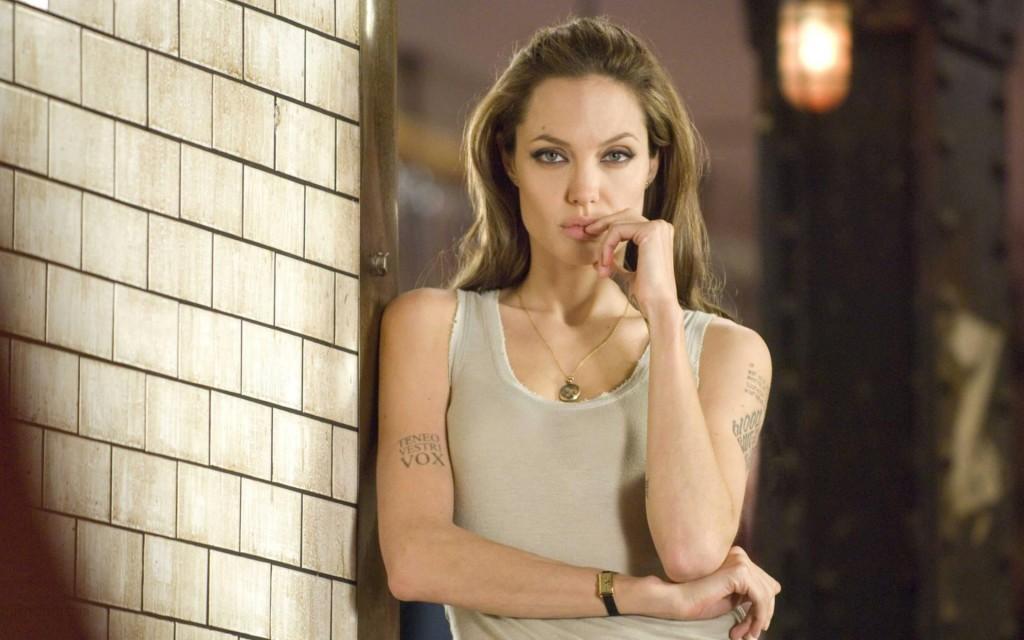 angelina-jolie-actress-wallpaper-50332-52022-hd-wallpapers