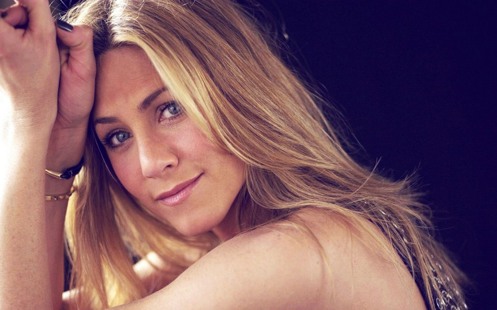 beautiful-jennifer-aniston-33344-34101-hd-wallpapers