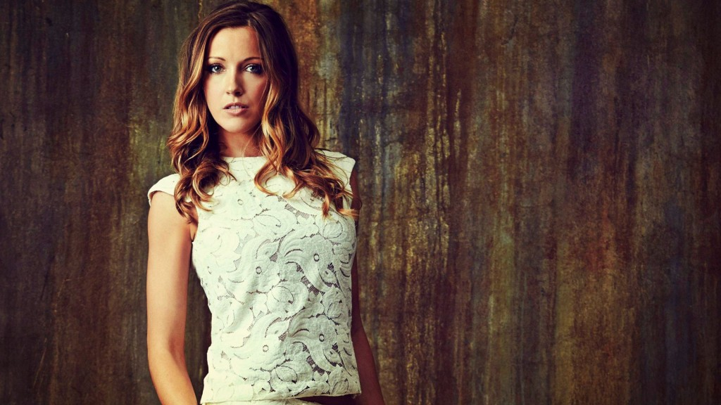 beautiful katie cassidy wallpapers
