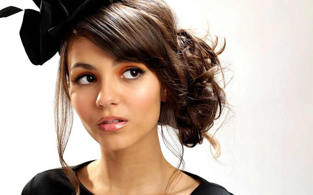 beautiful-victoria-justice-wallpaper-19839-20336-hd-wallpapers
