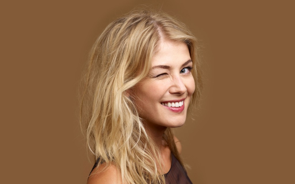 cute-rosamund pike wallpapers
