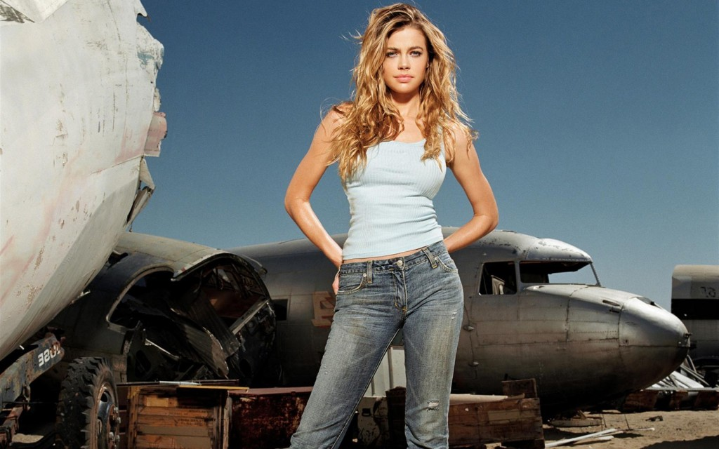 denise-richards-computer-wallpaper-pictures-51057-52753-hd-wallpapers