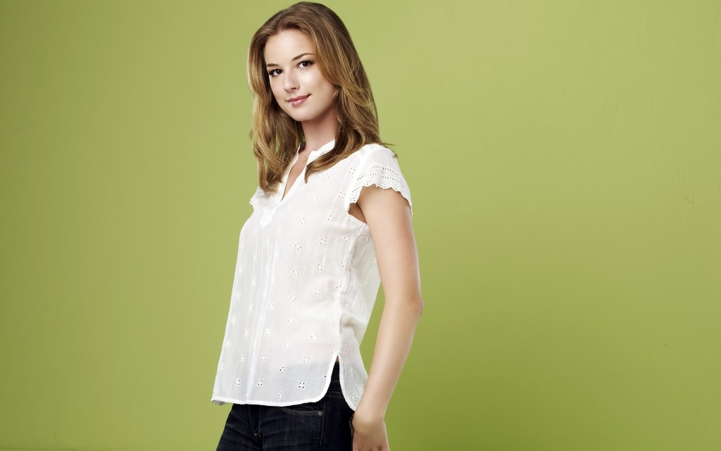 emily-vancamp-34662-35443-hd-wallpapers