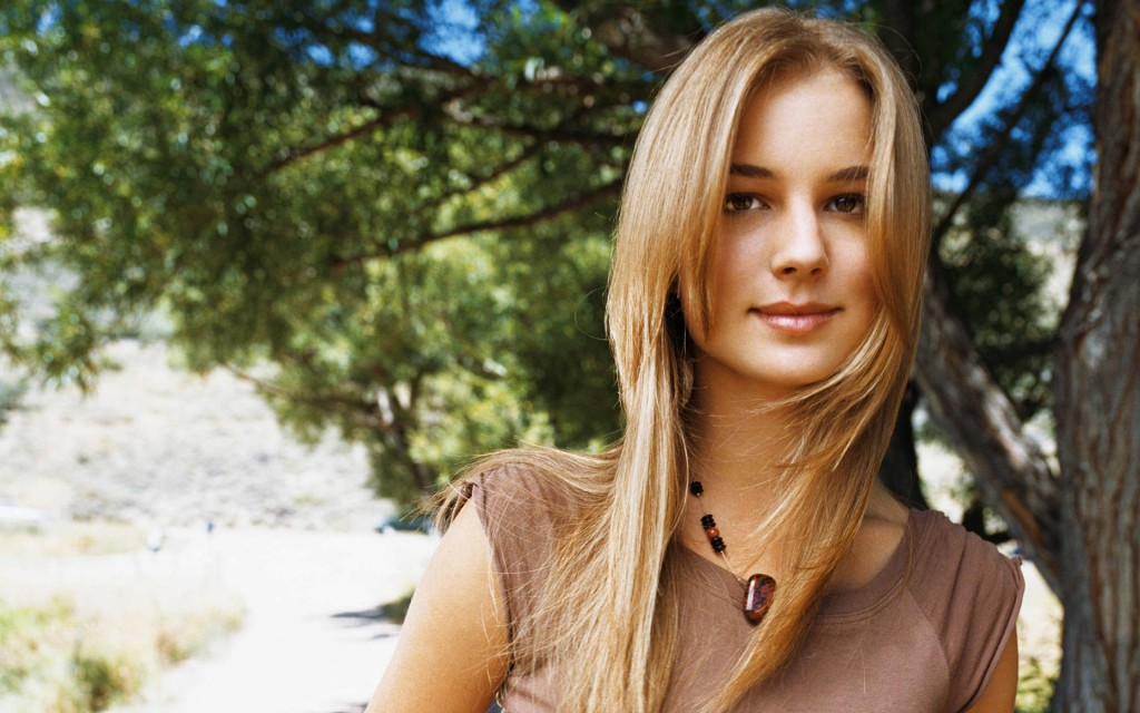 emily vancamp wallpapers