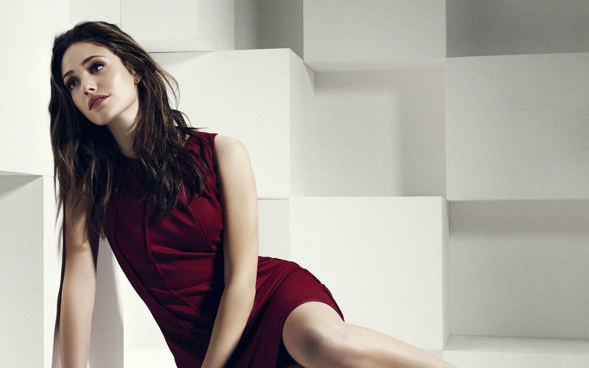19 Beautiful HD Emmy Rossum Wallpapers - HDWallSource.com Emmy Rossum Wallpaper