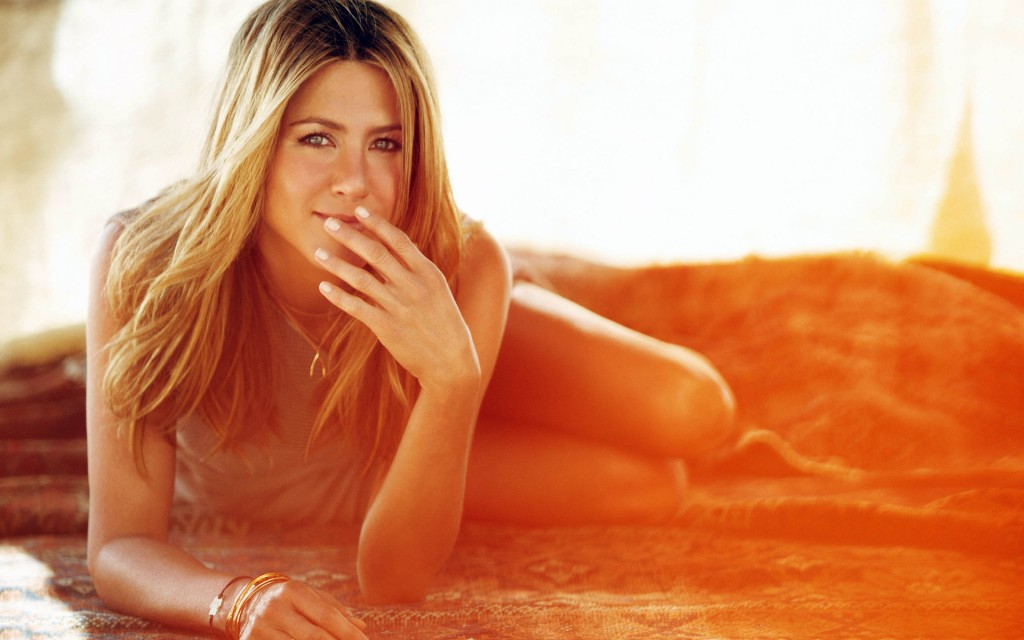 jennifer-aniston-desktop-wallpaper-50677-52369-hd-wallpapers