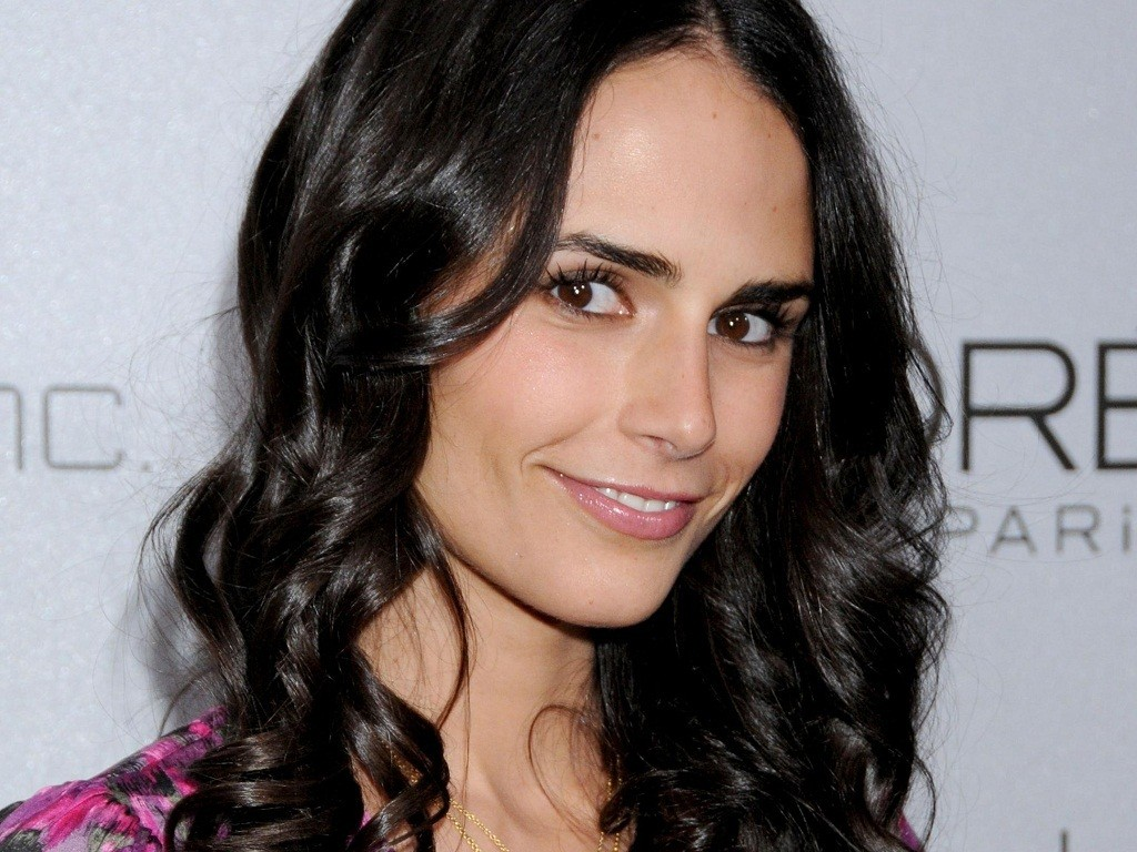 jordana-brewster-12172-12556-hd-wallpapers