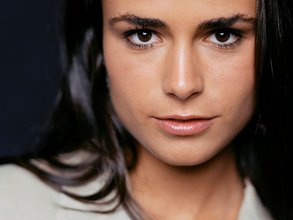 jordana-brewster-12174-12558-hd-wallpapers