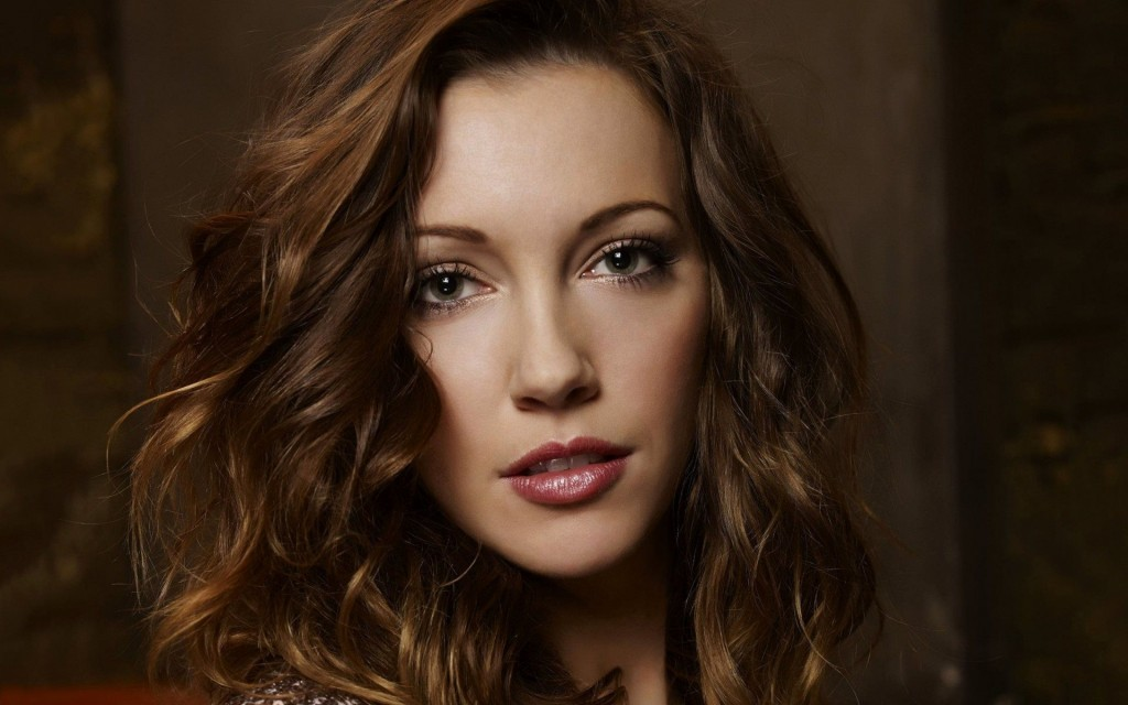 katie-cassidy-37947-38817-hd-wallpapers