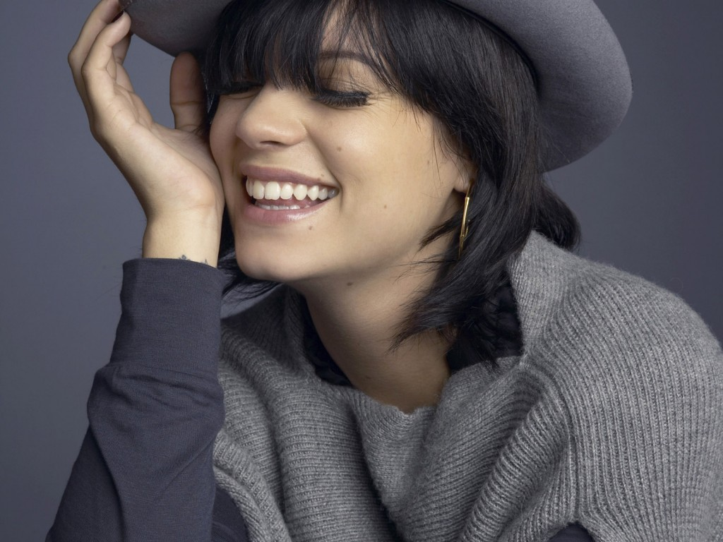 lily-allen-32936-33690-hd-wallpapers
