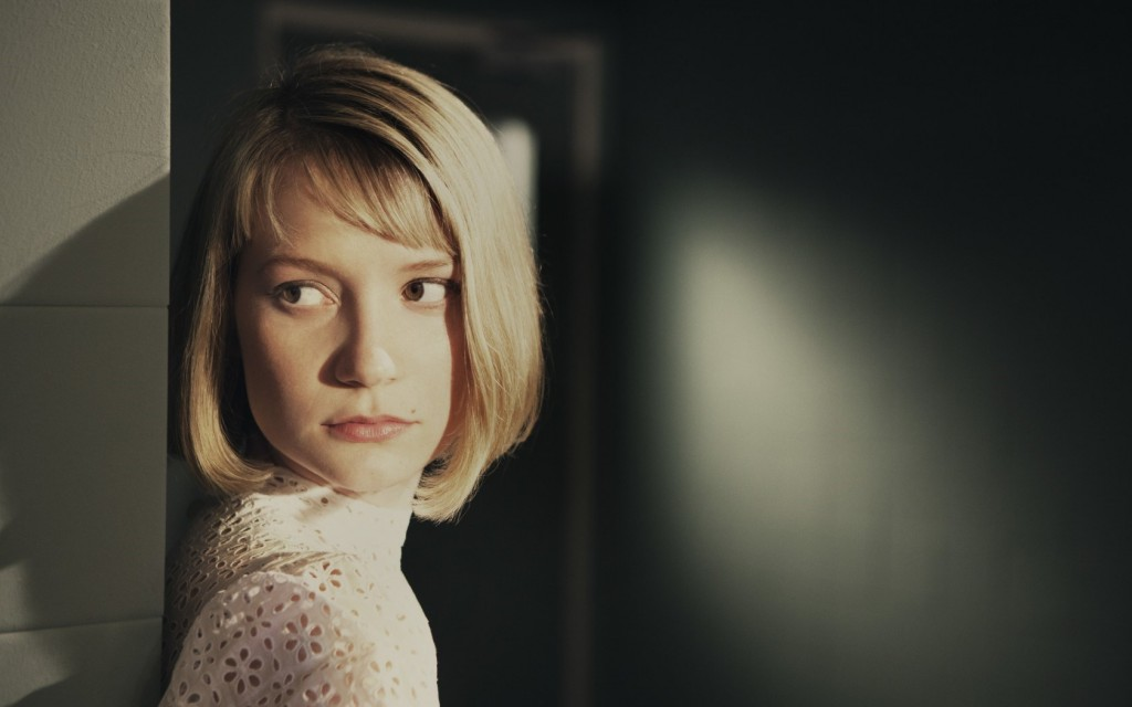 mia-wasikowska-40639-41590-hd-wallpapers