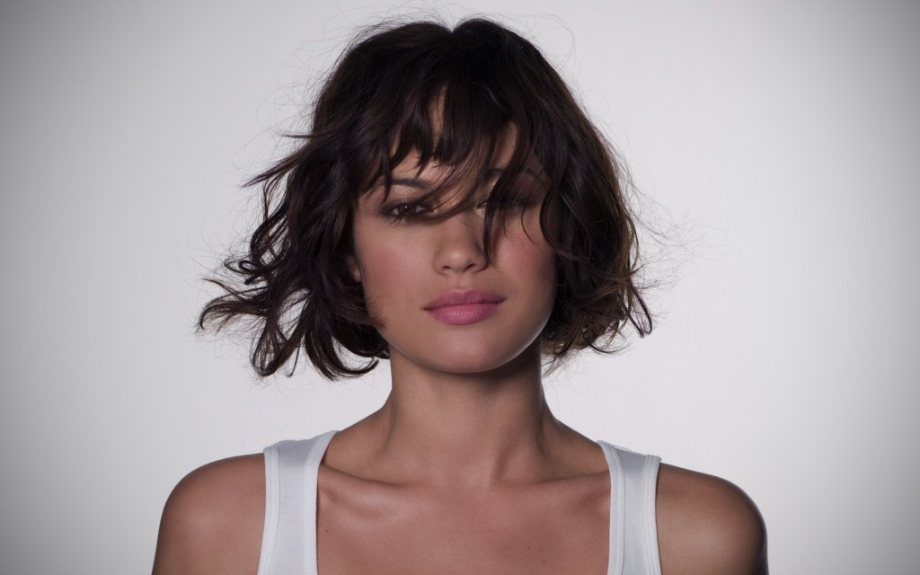olga-kurylenko-12012-12395-hd-wallpapers