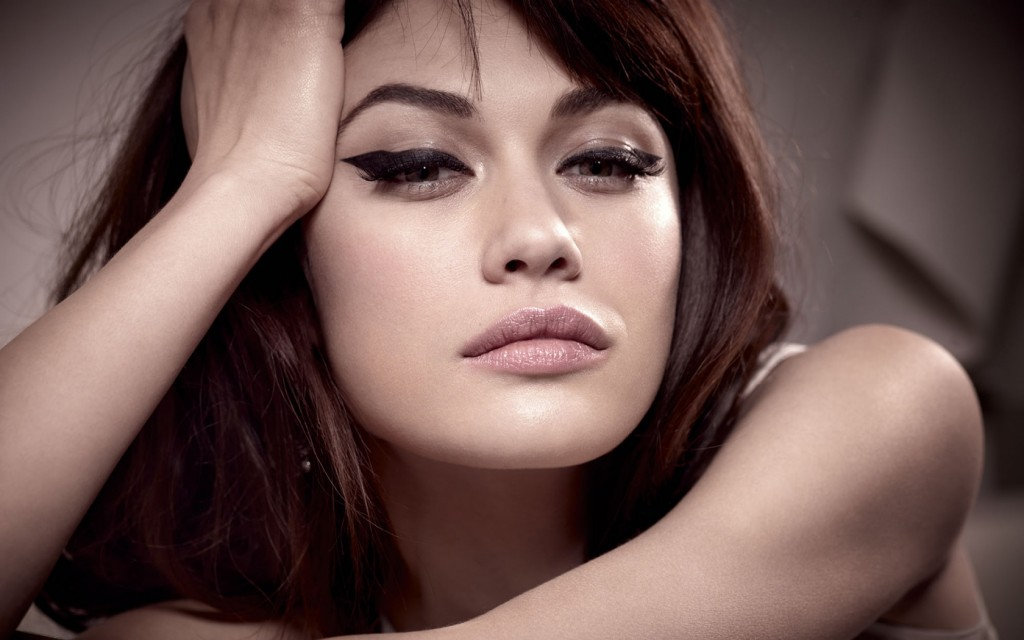 olga-kurylenko-12020-12403-hd-wallpapers