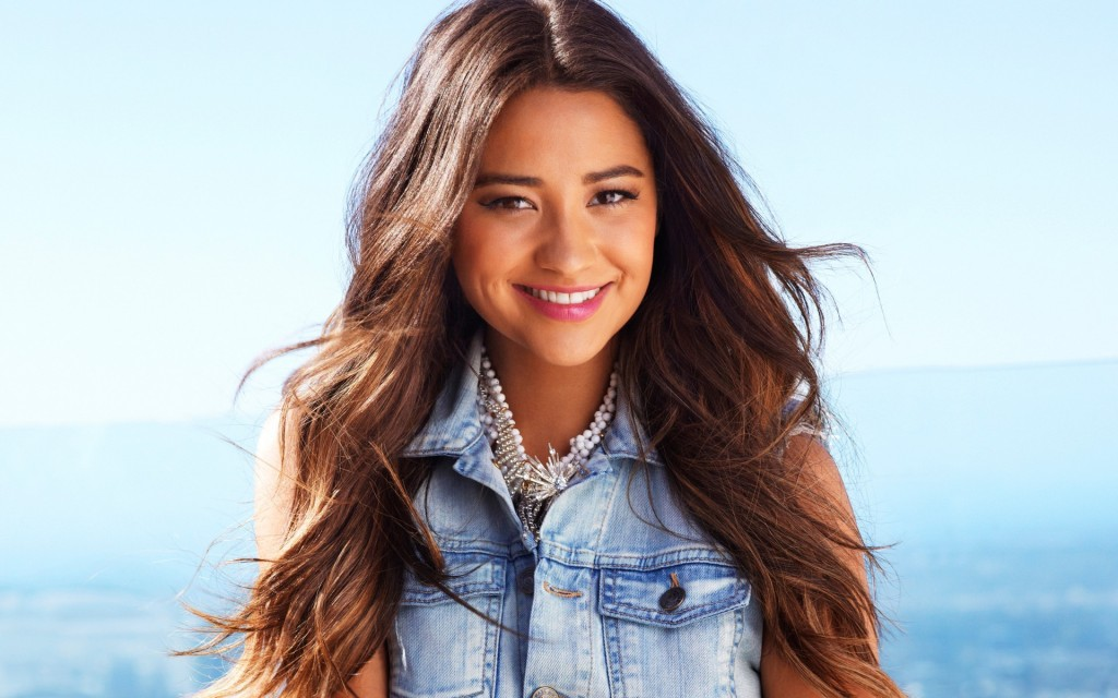 shay-mitchell-37778-38644-hd-wallpapers