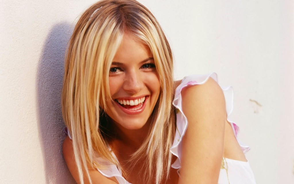 sienna miller smile wallpapers