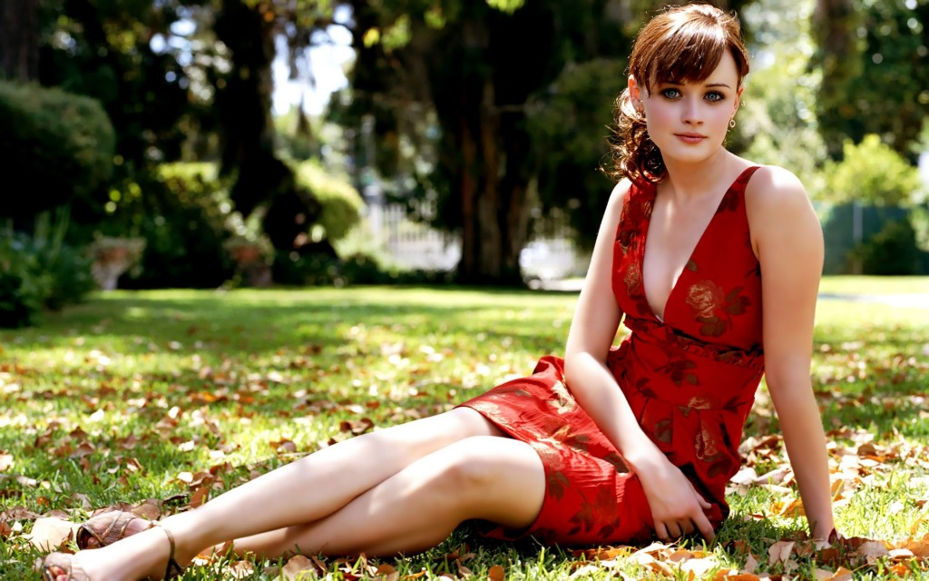stunning-alexis-bledel-26526-27218-hd-wallpapers