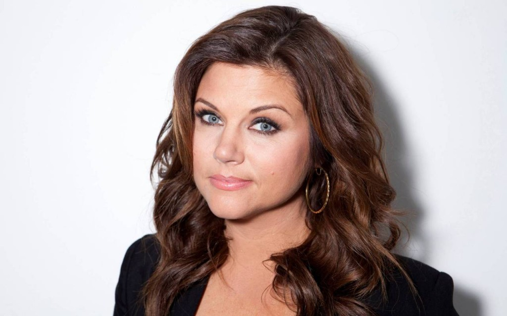 tiffani-thiessen-40701-41654-hd-wallpapers