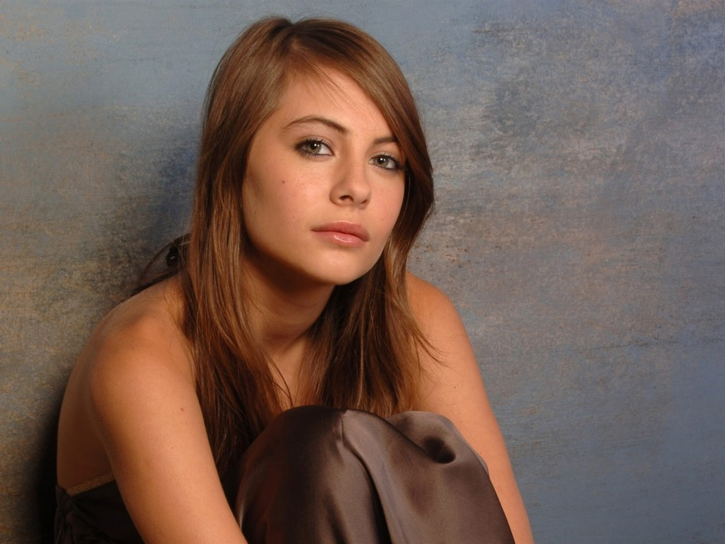 willa-holland-pictures-30117-30834-hd-wallpapers