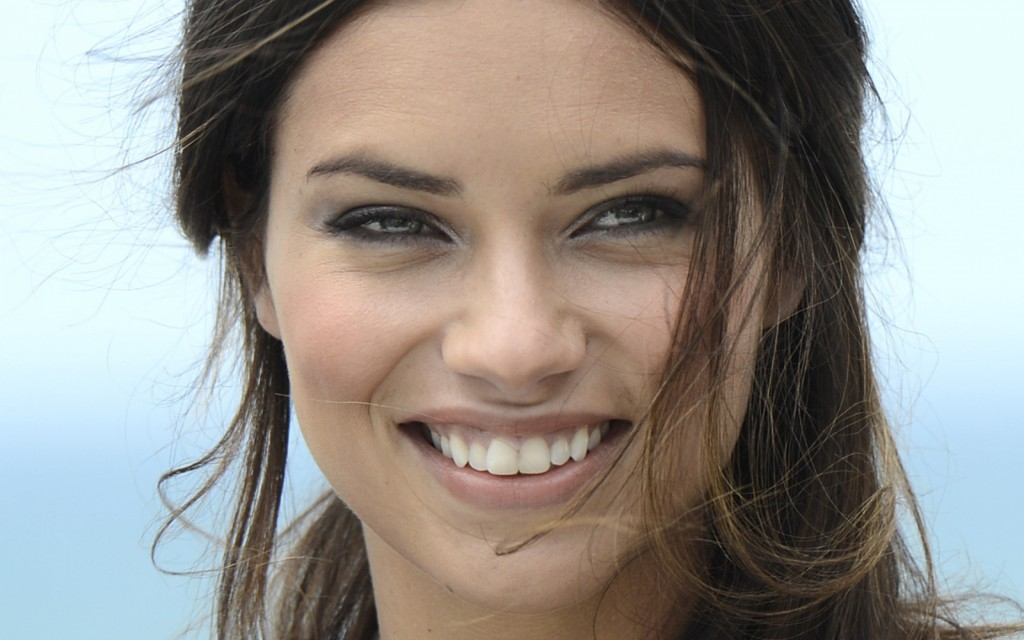 adriana lima face widescreen wallpapers