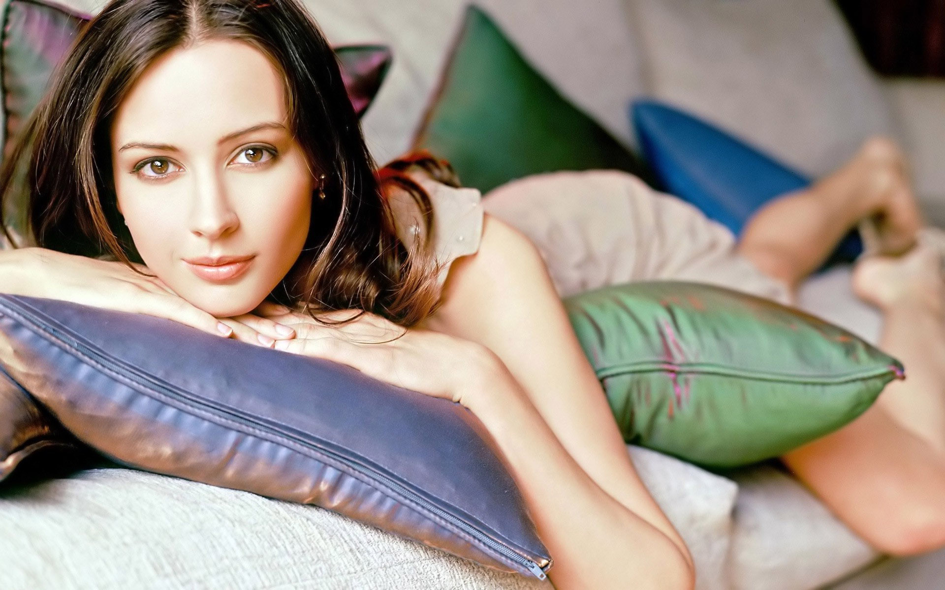 Amy acker archives for Hot images blog