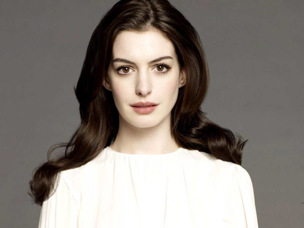 anne-hathaway-16513-17051-hd-wallpapers