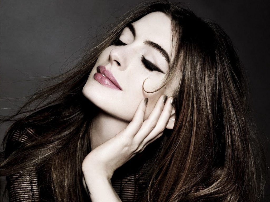 anne hathaway wallpapers